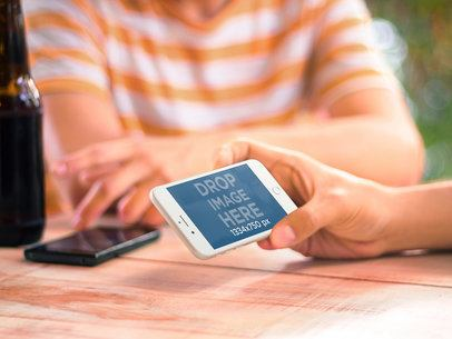 White iPhone 6 Friends Hangouts