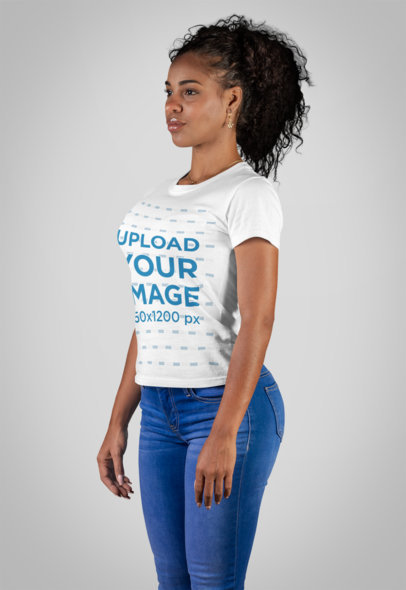 T-Shirt Mockup of a Curvy Woman at a Studio 21882