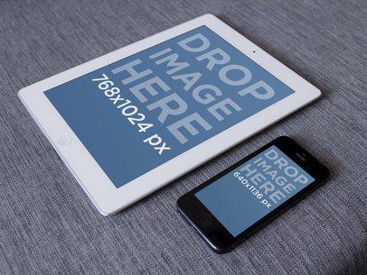 White iPad Vs Black iPhone 5