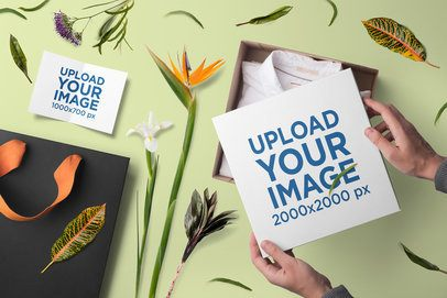 Box Mockup Featuring Flowers and a Greeting Card 3171-el1