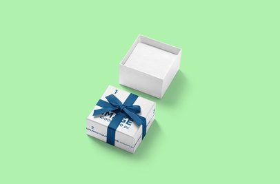 Mockup of an Open Gift Box 3483-el1