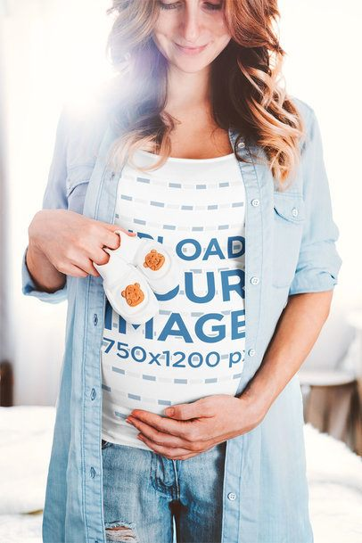 T-Shirt Mockup of a Pregnant Woman Expecting Her Child 37255-r-el2