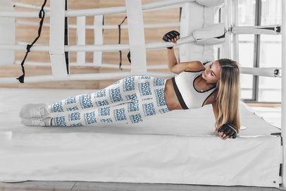 Leggings Mockup of a Woman Doing a Side Plank 4761-el1