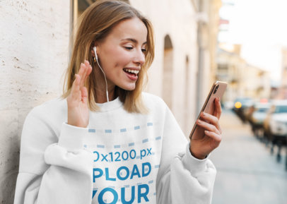 Sweatshirt Mockup Featuring a Woman Making a Video Call 41515-r-el2