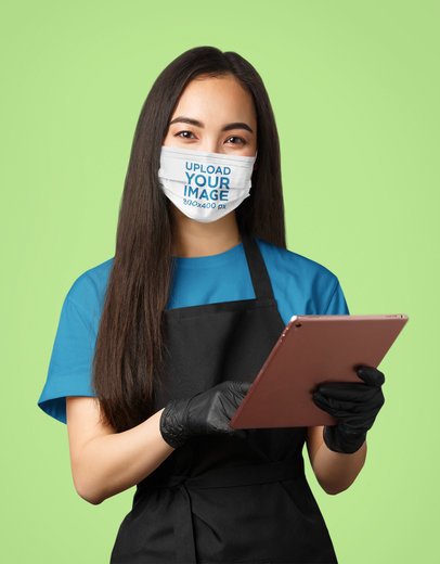 Face Mask Mockup Featuring a Waiter in a Studio 43988-r-el2